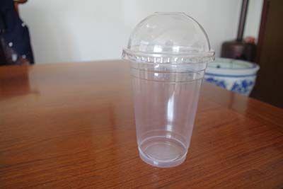 透明饮料杯